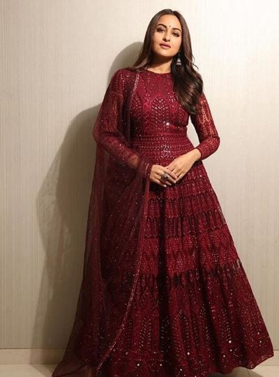 sonakshi-senha-outfit10 Sonakshi Sinha Outfits-25 Dressing Styles of Sonakshi to Copy