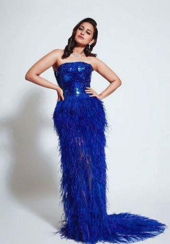 sonakshi-senha-outfit11-350x500 Sonakshi Sinha Outfits-25 Dressing Styles of Sonakshi to Copy