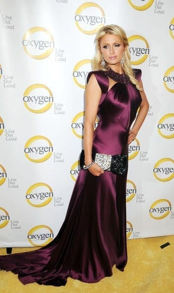 14-A-Glamorous-Evening-Dress Paris Hilton Outfits-25 Best Dressing Styles of Paris Hilton to Copy