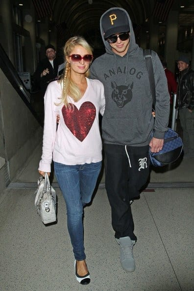 16-Cutest-Jeans-Style Paris Hilton Outfits-25 Best Dressing Styles of Paris Hilton to Copy