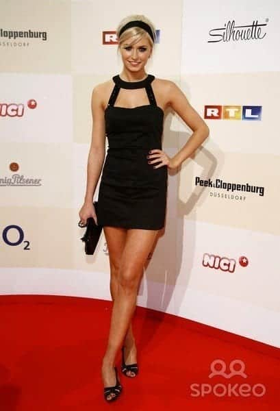 17-A-Coolly-Designed-Dress Lena Gercke Outfits-25 Best Dressing Style of Lena Gercke to Copy