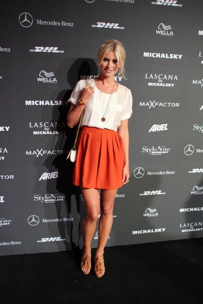 18-A-Classic-Mini-Skirt-Day-683x1024 Lena Gercke Outfits-25 Best Dressing Style of Lena Gercke to Copy