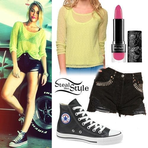 21-The-Hottest-Street-Style Miley Cyrus Outfits-25 Best Dressing Styles of Miley Cyrus to Copy