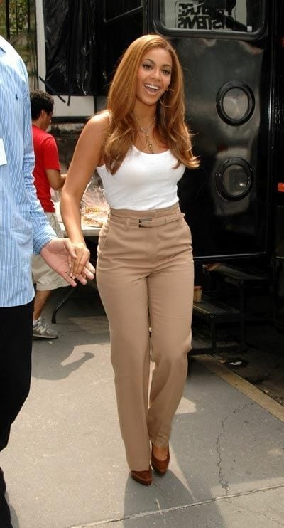25-A-Classy-Nude-Trouser-Outfit Beyonce Outfits - 25 Best Dressing Styles of Beyoncé to Copy