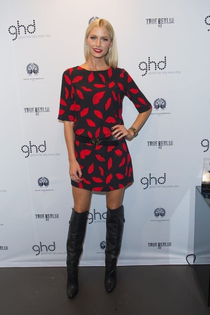 9-For-the-love-of-Knee-boots-683x1024 Lena Gercke Outfits-25 Best Dressing Style of Lena Gercke to Copy