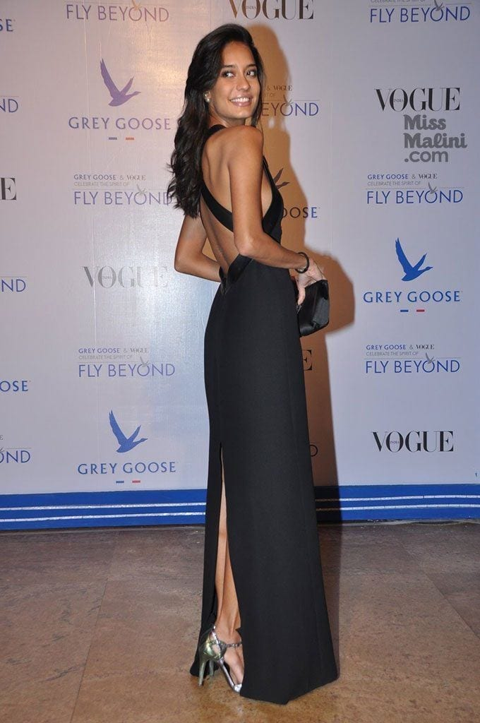 Lisa-Haydon2-680x1024 Lisa Haydon Outfits – 25 Best Dressing Styles of Lisa Haydon