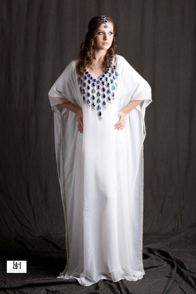 beautiful-white-kaftan-abaya-1-682x1024 Kaftan Abaya Designs-18 Latest Styles to Buy Online Now
