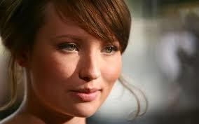 images-8 20 Most Beautiful Female Actors In The World
