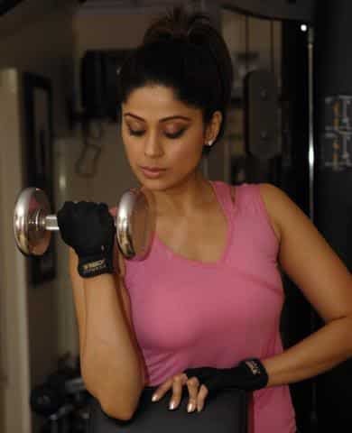 bollywood-workout-outfits-shamita-shetty Bollywood Celebrities Workout Outfits-20 Top Actresses Gym Style