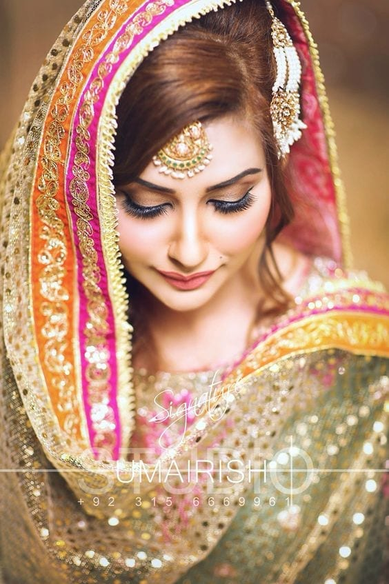 bridal-lehenda-dupatta-15 How to Wear Bridal Lehenga Dupatta in 10 Different Styles