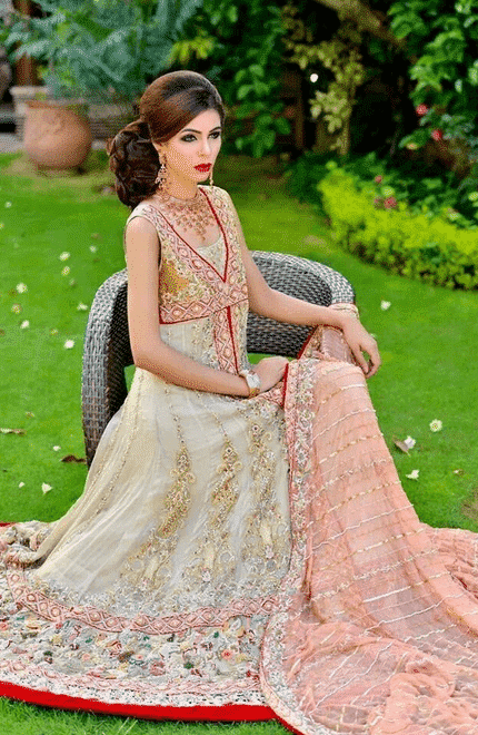20-Indian-Wedding-Dresses-You-Can-Try-This-Season-White-and-Pink-Maxi 30 Latest Indian Bridal Gown Styles and Designs to Try this Year