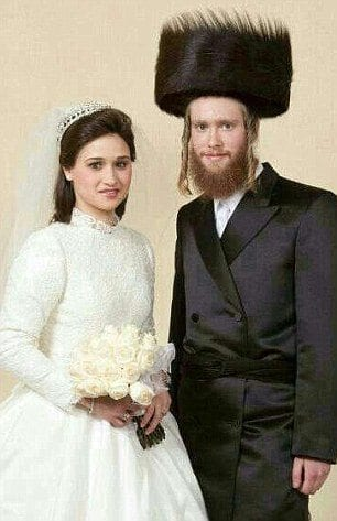 2547882700000578-2936881-The_Glaubers_were_expecting_their_first_child_when_they_were_ins-m-55_1422916237536 50 Romantic Jewish Couples-Wedding and Relationship Photos