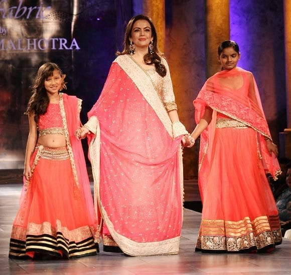3rd-saree 20 Best Sarees for the Mothers of The Bride this Year 2016