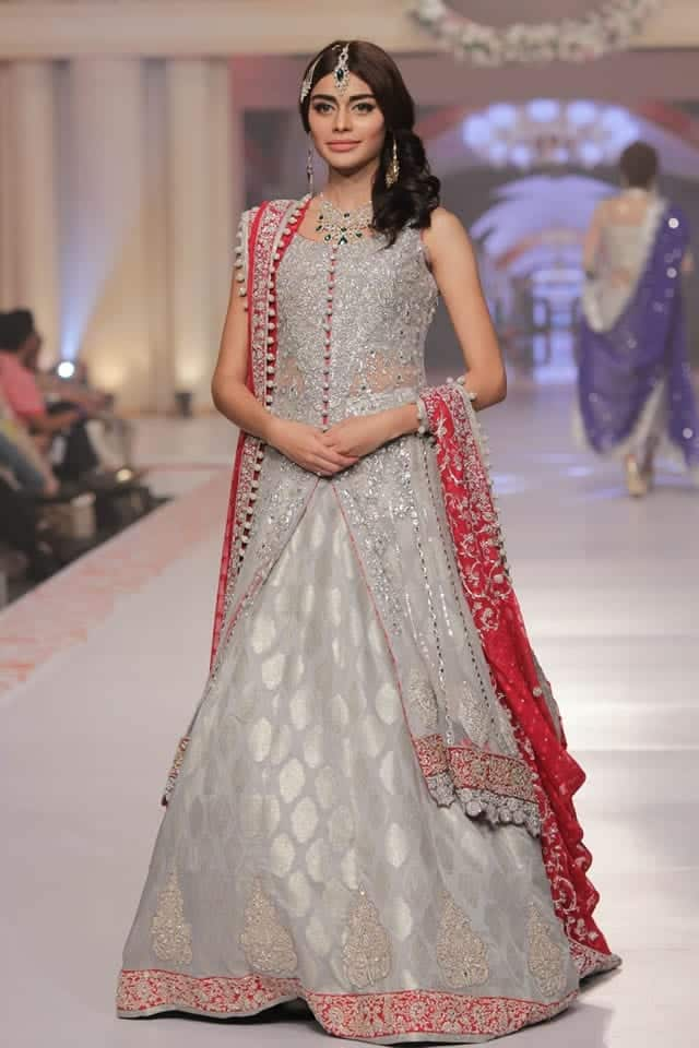 Zainab_Chottani_Collection_Telenor_Bridal_Couture_Week_2015_14 Bridal Dupatta Settings–17 New Ways to Drape Dupatta for A Wedding