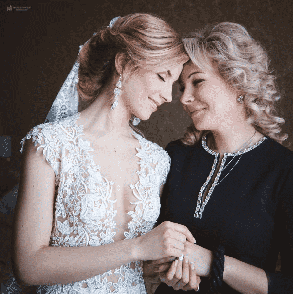 black-wedding-dress-for-mothers Outfits for Brides Mothers-20 Latest Mother of the Bride Dresses