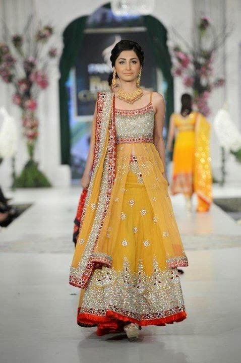 bridal-mehndi-dresses Dholki Outfits-20 Ideas What to Wear on Dholki/Sangeet Night