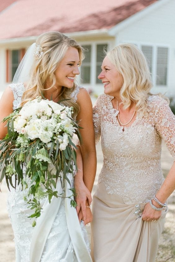 brides-mother-lace-dress Outfits for Brides Mothers-20 Latest Mother of the Bride Dresses