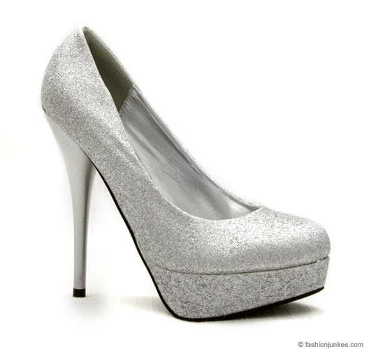 heels-1 Outfits for Brides Mothers-20 Latest Mother of the Bride Dresses