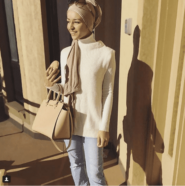 hijab-with-turtleneck Top 20 Hijab Style Trends for Muslim Women These Days