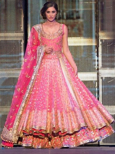 nargis-fakhri-walks-the-ramp-in-a-classic-pink-lehenga-1-2-1 Bridal Dupatta Settings–17 New Ways to Drape Dupatta for A Wedding