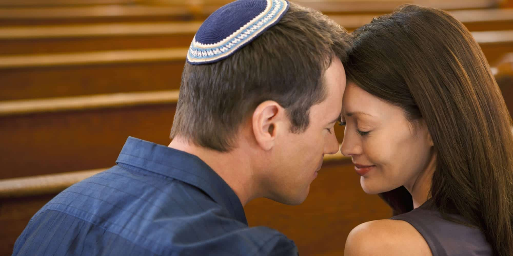 o-JEWISH-COUPLE-facebook 50 Romantic Jewish Couples-Wedding and Relationship Photos