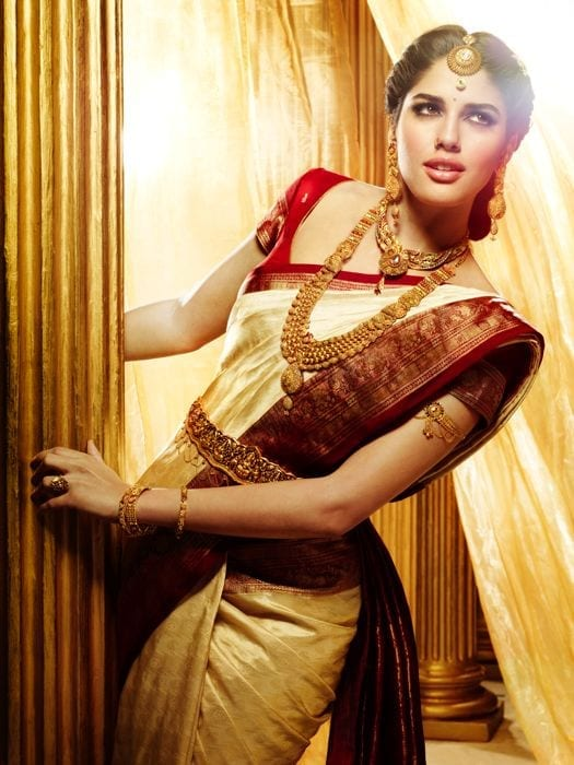 south-indian-sari-for-a-glamorous-wedding-1 23 Latest South Indian Wedding Sarees To Try This Year