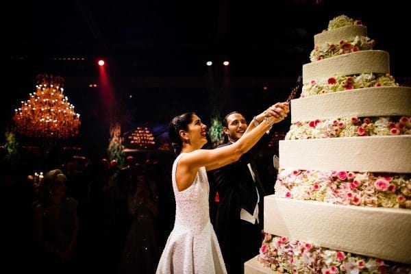 21.-Noor-Fares-Wedding-Cake-600x400 Top 10 Most Expensive Arab Weddings of All The Time