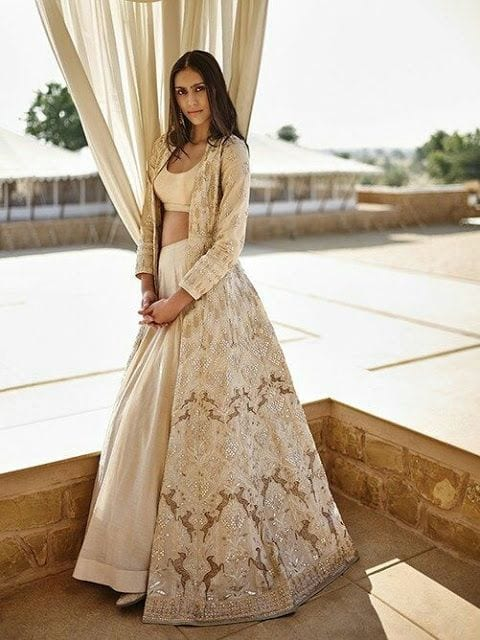 Elegant 30 Latest Indian Bridal Gown Styles and Designs to Try this Year