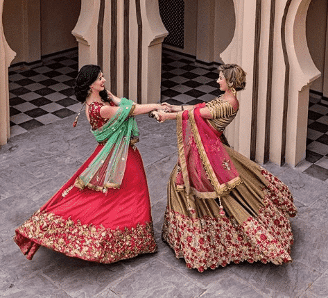 bridesmaid-lehenga-chol Latest Bridesmaid Lehenga Designs-25 New Styles To Try In 2019
