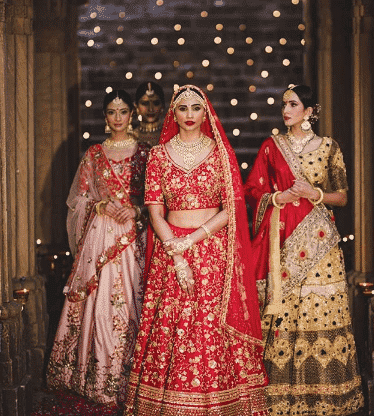 bridesmaid-outfit-sister Latest Bridesmaid Lehenga Designs-25 New Styles To Try In 2019