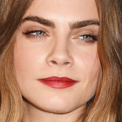 cara-delevingne-makeup-10-500x500-1 Top 13 Best Makeup Styles From The Most Beautiful Celebrities