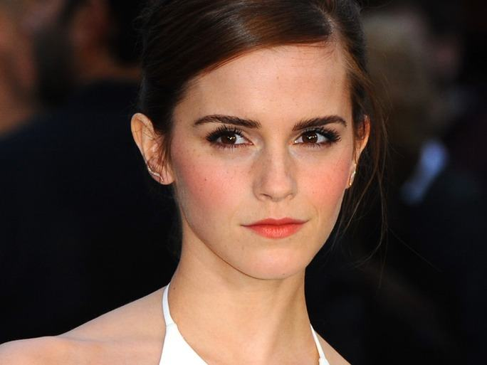 ems2-1 Top 13 Best Makeup Styles From The Most Beautiful Celebrities