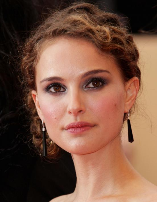 nat-1 Top 13 Best Makeup Styles From The Most Beautiful Celebrities
