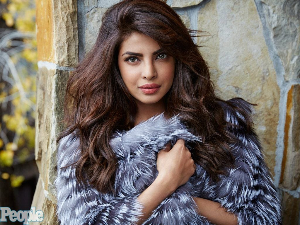 priyanka-1024-1024x768 Bollywood Actresses Swag-15 Best Swag Looks of Bollywood Actresses