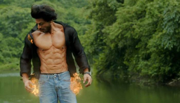 281632-shah-rukh-body-700-1 Shahrukh Khan Pictures–30 Best Pictures Of Shahrukh Khan