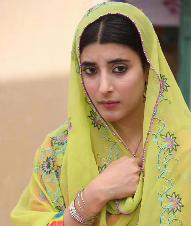 Urwa-Hocane-Dramas Pakistani Actresses without Makeup-Shocking Photos of Actresses with No Makeup