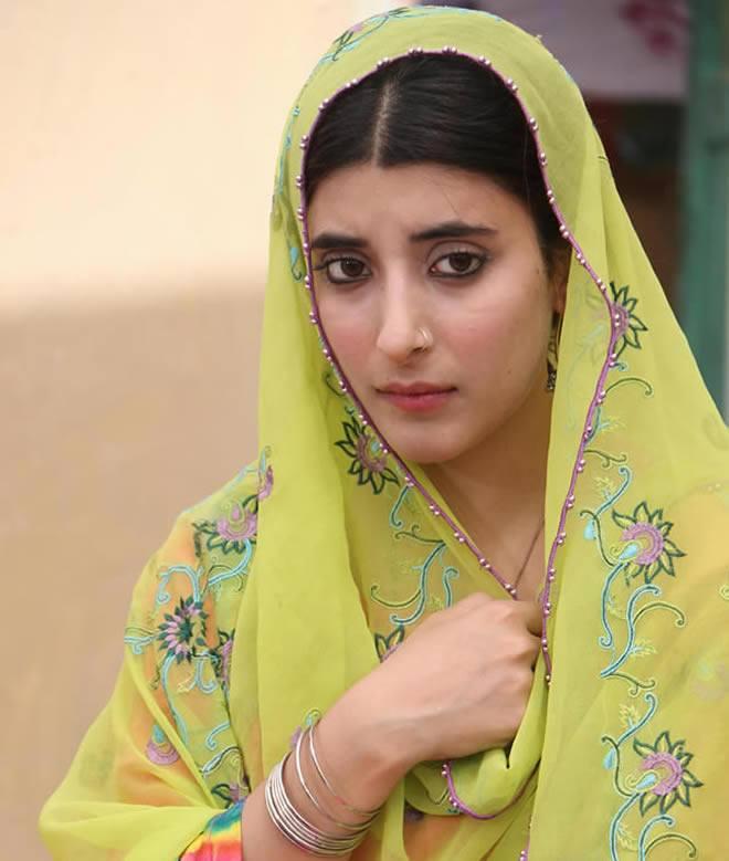 New Girl Picture Pakistani New Balochi Dress Design 2019