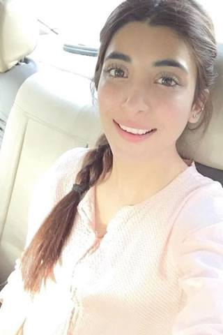 Urwa_Hocane_Without_Makeup Pakistani Actresses without Makeup-Shocking Photos of Actresses with No Makeup