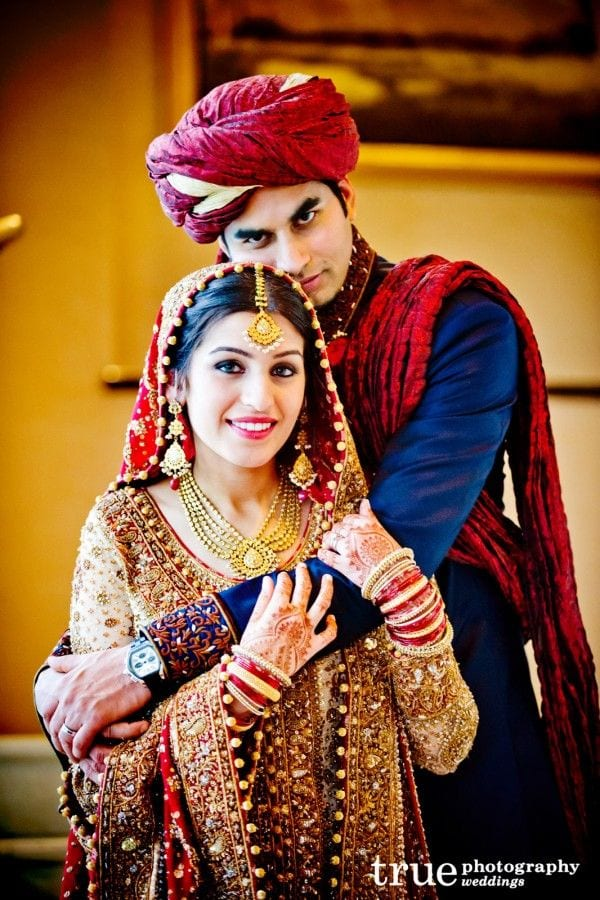 a17deaa0bf1ac1f86291aee4cc0adf4c Pakistani Bride and Groom Photo Shoot-Pakistani Wedding Poses