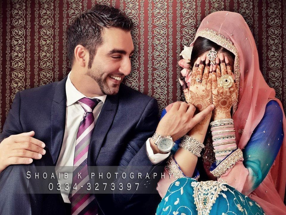 pakistani-wedding-photography Pakistani Bride and Groom Photo Shoot-Pakistani Wedding Poses