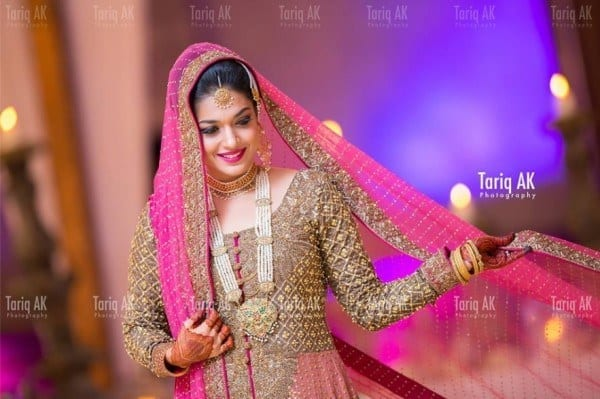 sanam-jung-wedding-picture-2 Pakistani Bride and Groom Photo Shoot-Pakistani Wedding Poses