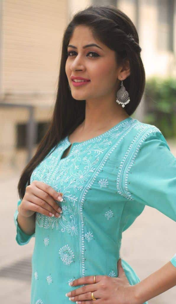 HairStyle1-595x1024 Latest Kurti Designs 2019 From Top 20 Kurti Designers These Days
