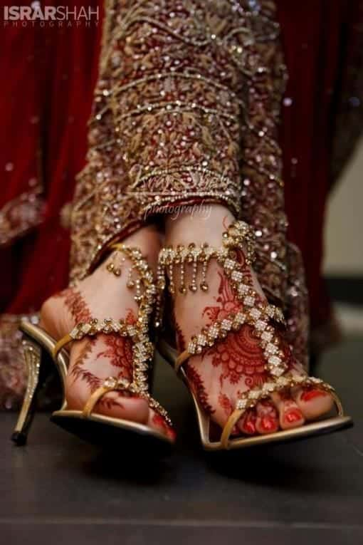 footwear 2017 Ghagracholi Designs-20 Latest Lehngacholi Styles These Days