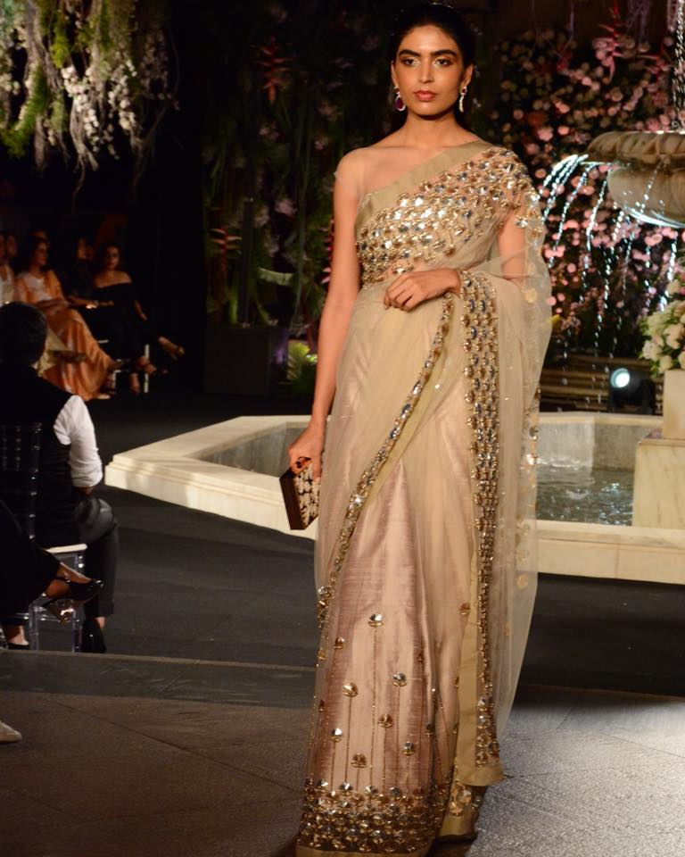 manish-malhotra-glamorous-saree-for-festive-season Latest Manish Malhotra Sarees 2017 Collection-Top 28 Sarees by Manish