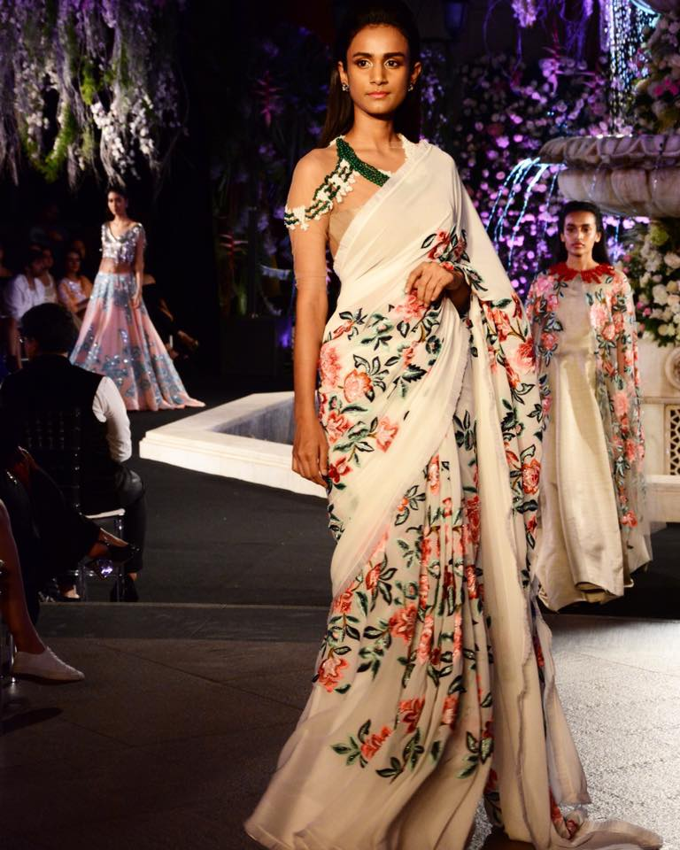 manish-malhotra-ivory-saree-with-floral-work Latest Manish Malhotra Sarees 2017 Collection-Top 28 Sarees by Manish
