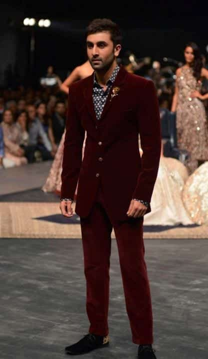 ranbir-kapoor-manish-malhotra-lakme-fashion-week-winter-2016-mens-fashion-menswear-ethnic-burgundy-suit-velvet-wedding-1 Engagement Outfits for Indian Men-20 Latest Ideas what to Wear on Engagement