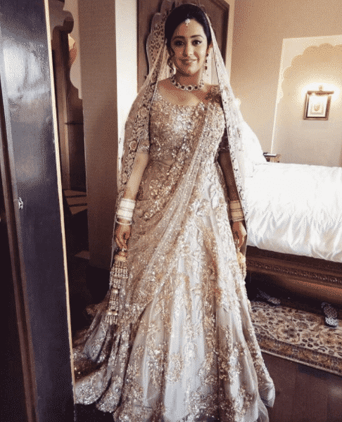real-manish-malhotra-bride-6 Manish Malhotra Wedding Dresses 2017-Top 20 Bridal Dress by Manish Malhotra