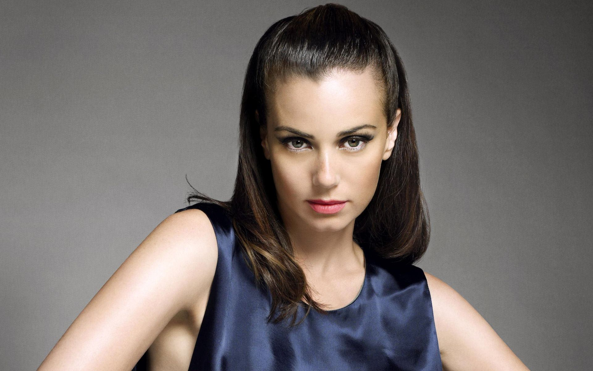 Mia-Kirshner Cute Jewish Girls - 30 Most Pretty Jewish Women in the World