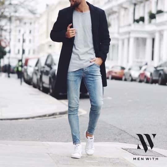Slim-Fit-Light-Wash-Jeans Jeans for Skinny Guys-15 Perfect Ways to Wear Jeans Skinny Guys