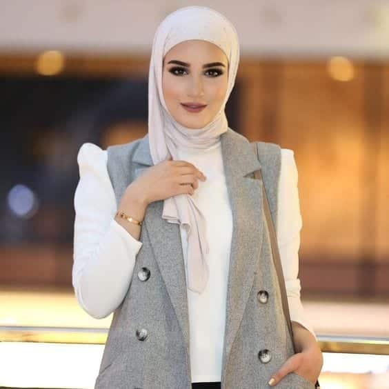 dalal-arab-fashion-blogger Top 10 Arab Fashion Bloggers to Follow in 2018